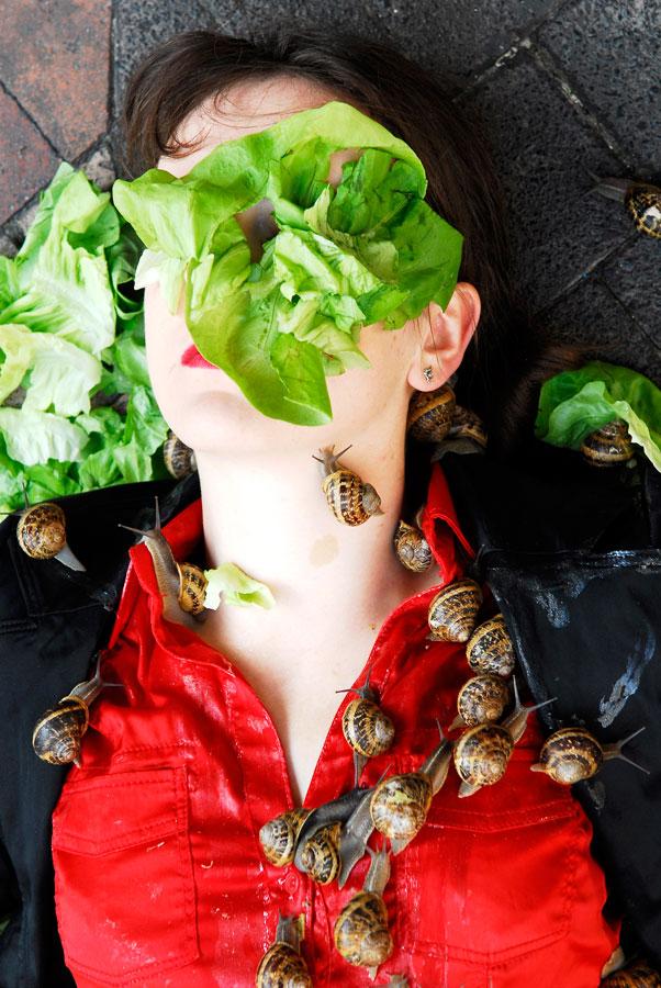 Léa Le Bricomte. Escargots. Infr'Action Sète. 2009. © Infr'Action Sète & Stein Henningsen.